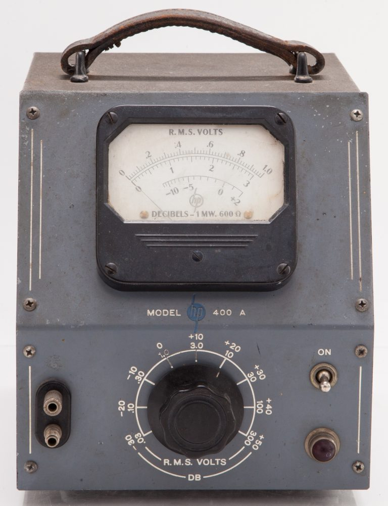 Front face of the HP 400A vacuum tube voltmeter.