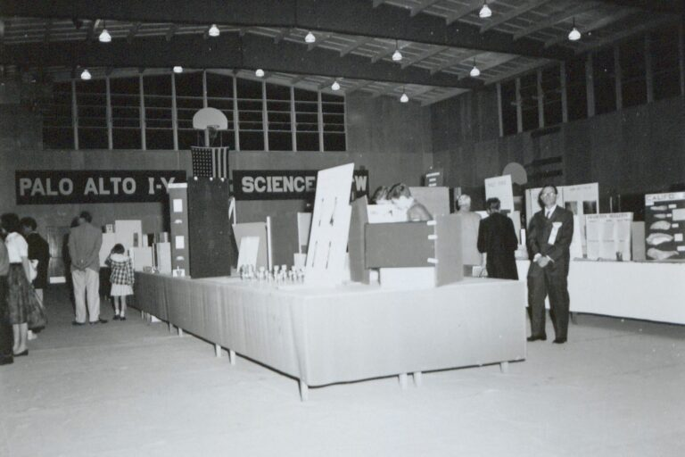 Photo of the Palo Alto Science Fair in 1959.