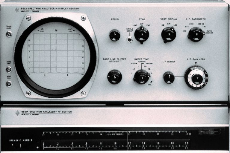 A photo of the HP 8551 microwave spectrum analyzer.