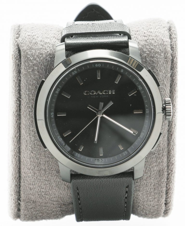 Photo of the Coach smartwatch created in collaboration with HP.