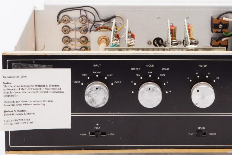 Front view of Bill Hewlett's Barney Oliver Amplifier.
