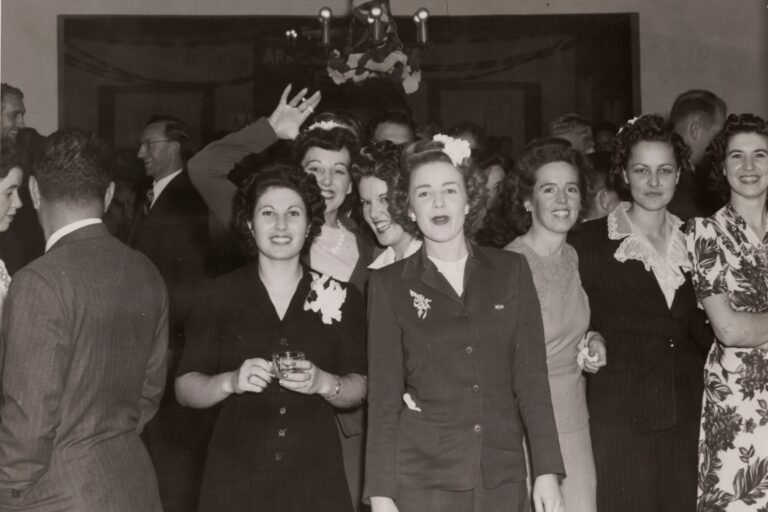 A large group of Hewlett-Packard employees at a company party.