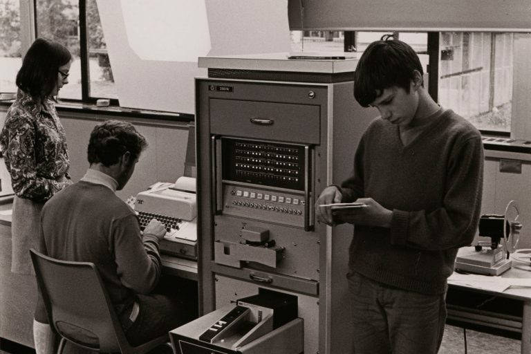 Photo of students using the HP 2007A Educational Computer System in a Vancouver classroom in 1969.