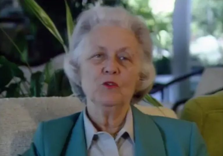 A video interview with Lu Packard.